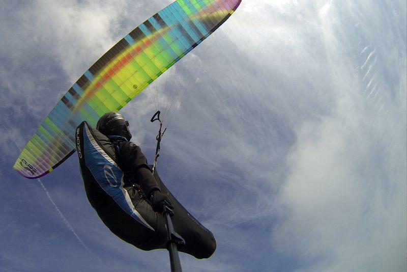 Volar con parapente en la isla de Fuego
