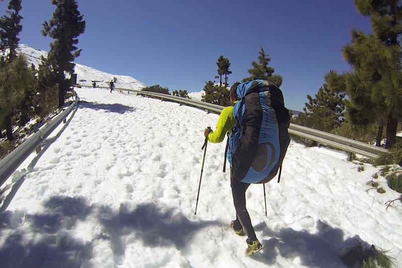 Saltar en parapente sobre la nieve