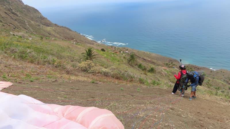 Despegue de parapente en Tanagana, Tenerife